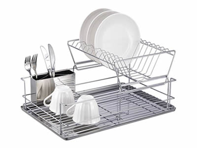 A drain rack made of stainless steel welded mesh with some tableware on it, its bottom is stainless steel sheet.